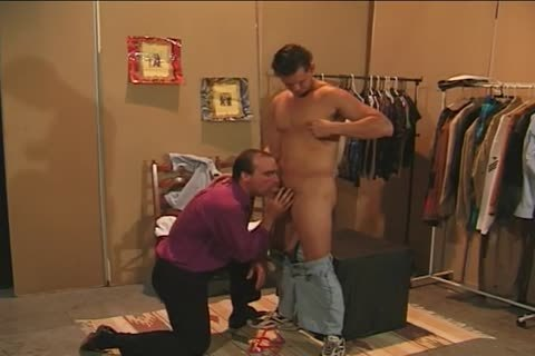 Collin Jennings drils Bruce greetingsll In A dressing Room