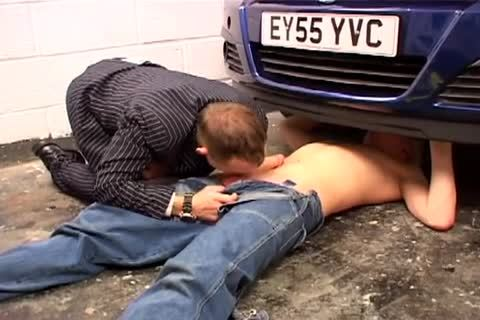 Hot gay action on the bonnet