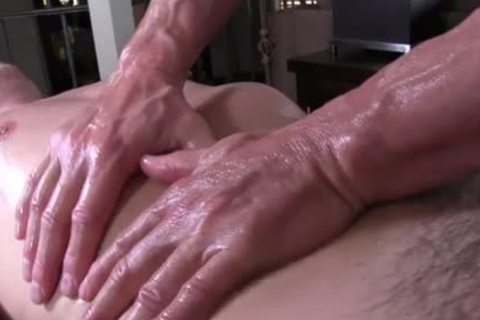 homosexualRoom olderer massholeeur rubs and probes throbbing ramrod youngster - brutaly sex movie scene - Tube8.com