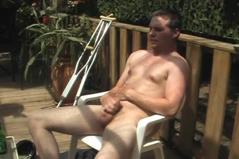 Handicapped dude receives Outdoor oral sexl-service