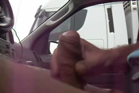 Trucker Flashing 3 - receiveting Caught By Truckers