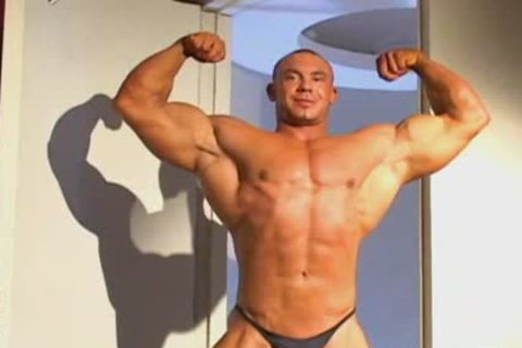 wild Muscle Worshowdyp