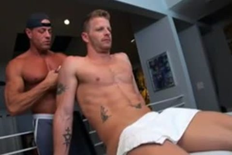 tasty Masseur banging his Client
