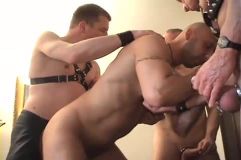 homosexual-undressedback-groupsession-Part2