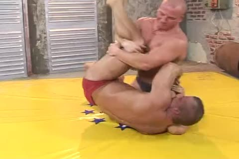 two Bodybuilders Dominate And nail Hard (Br