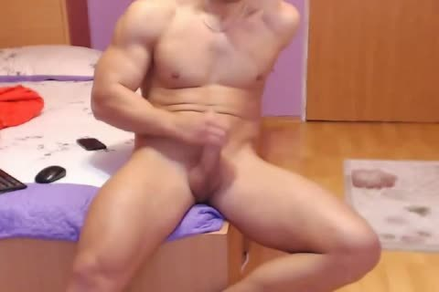 horny Romanian Model From Webchat Caught In Free Show