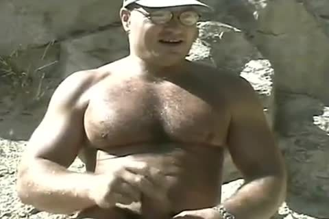 lascivious Bodybuilder Outdoor stroking