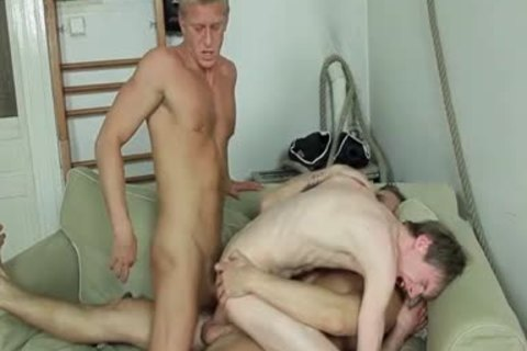 bunch sex, kissing, oral stimulation, booty stab, B