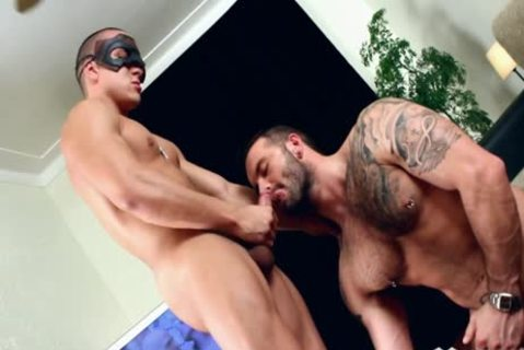 Carlos Pleasures His Boyfriend!