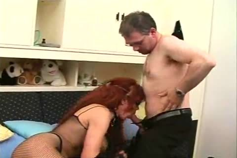 MILF CD Sucks & receives pounded