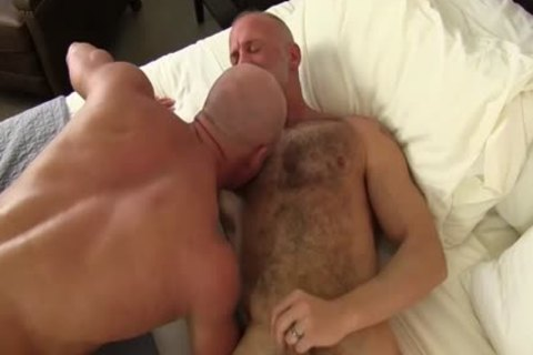 lascivious old homo acquires Sucked Off By His Buff Boyfriend