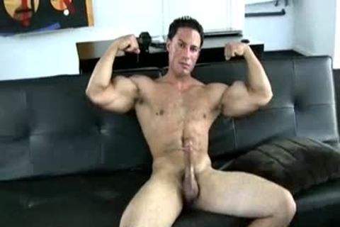Muscle boy Solo Jerking