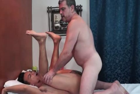 young oriental guy Services daddy White boy At A Massage