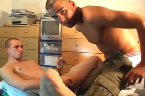 My Delivery twink Made A Porn: Watch His humongous ramrod acquires Sucked By A twink!