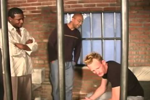 White lad acquires poked In The Prison By Blacks