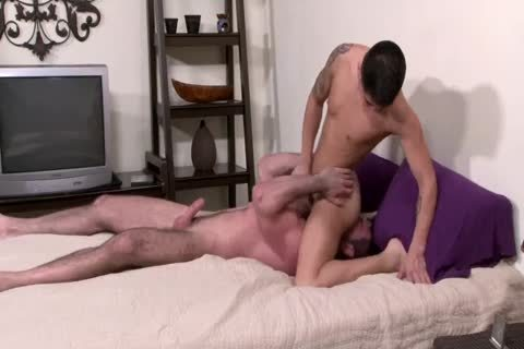 Hung chap Stuffs A Youngin Full Of unprotected cock