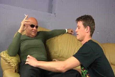 Bald Bad guy Takes A Skinny 10-Pounder In The throat