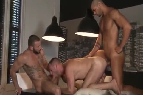 Three lusty boyz fucks bareback