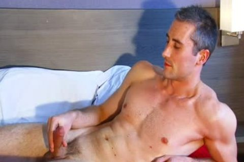 Full clip: A blameless straight Neighbour gets Serviced His large ramrod By A chap!