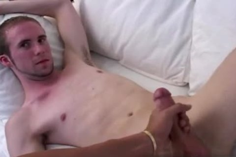 fotos dark homosexual Fingers Sex It Doesn't Take Him long To