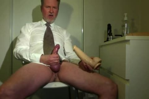 Searing Daddy Jizzing In Front Of The cam