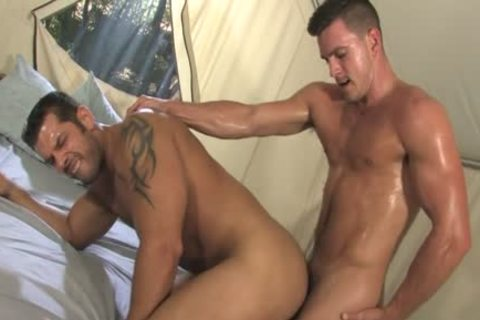 Muscle homo Outdoor Sex With sperm flow