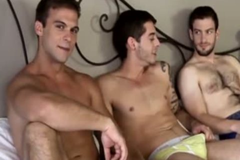 3some In The Bedroom