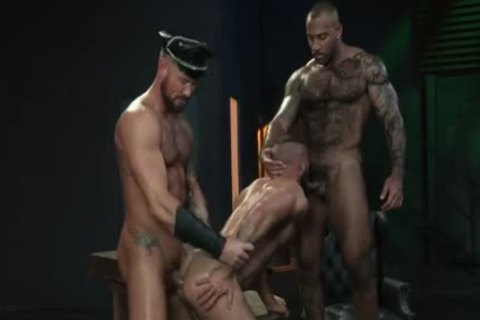 Muscle Bear threesome With penis juice flow