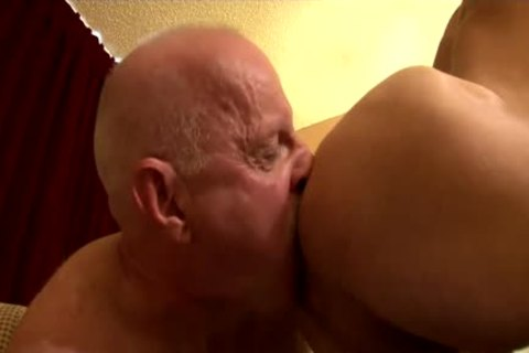 mature Daddy pounds Parker bare