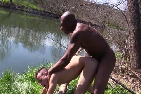 Spanish 3some In The River