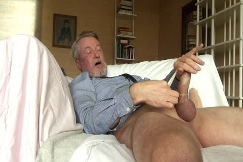 attractive On web camera, Cumming In A pound-rubber!