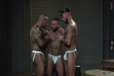 Muscle Bear threesome And goo flow