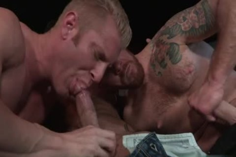 Muscle Bear 3some And anal cum flow