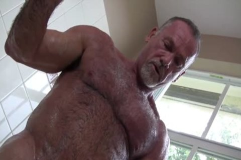 Gentleman Daddy In The baths Solo