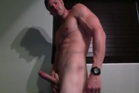 Muscled lad Lubes His weenie And Jerks Off