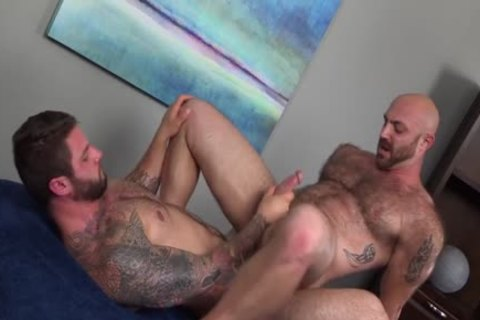Muscled curly chap receives A monstrous penis In His arse {Ronin & Tatum Parks}