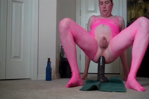 Micropenis Sissy Jeffrey Hewitt Rides A biggest fake penis And Cums