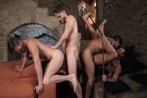 4 homosexual guys Decided To Have Sex In A Hotel